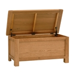 Salisbury Oak Blanket Box 596.023.3