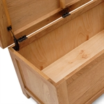 Salisbury Oak Blanket Box 596.023.4