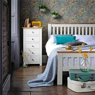 Chiltern Painted 4'6 Double Bed